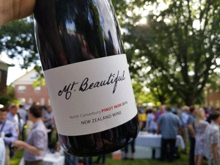 Alfresco Tasting at the 2019 International Pinot Noir Celebration